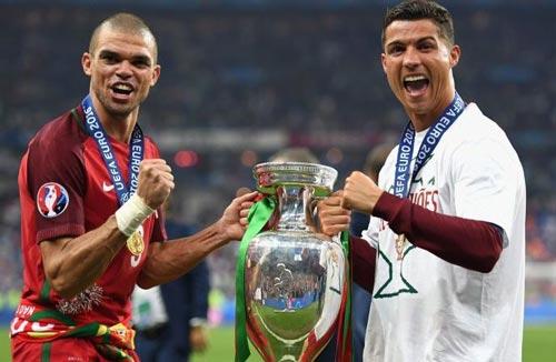 """Ronaldo sẽ """"đá cặp"""" với Ro béo ở Real Madrid - 2"""