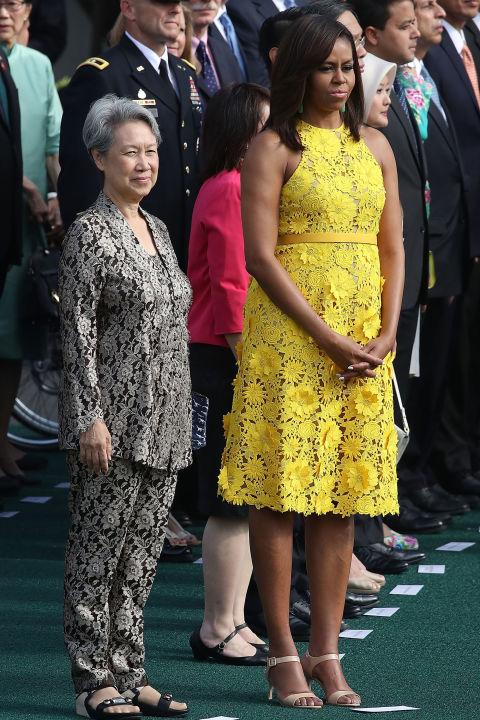 Soi gu thời trang phái đẹp nhà Obama - 2