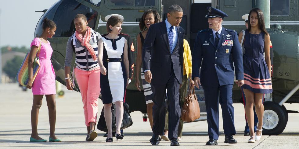 Soi gu thời trang phái đẹp nhà Obama - 12
