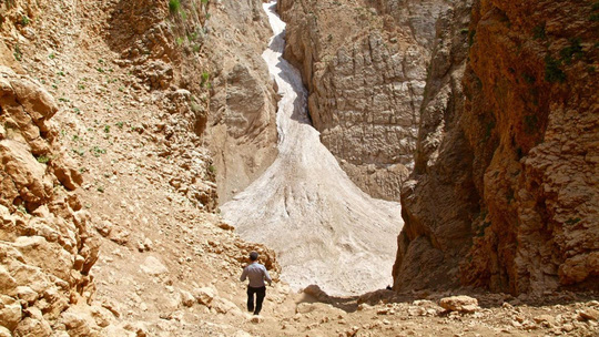 Kỳ diệu sông băng trong sa mạc Iran - 7
