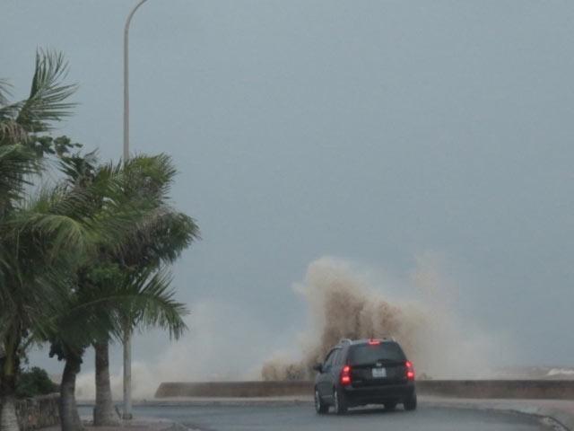 Áp thấp nhiệt đới trên biển Đông suy yếu - 1