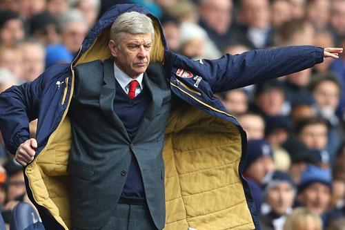 """Arsenal: Wenger """"keo kiệt"""", giận mà thương - 2"""