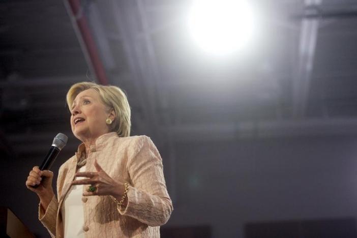 Nếu bầu cử hôm nay, bà Clinton sẽ thành tổng thống Mỹ - 1