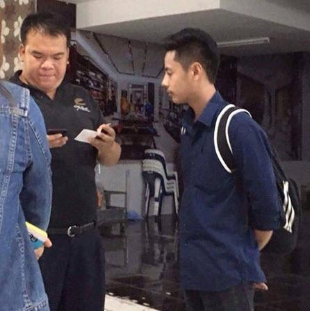 Thái Lan: Trai đẹp bị bắt vì rình gái xinh trong toilet - 2