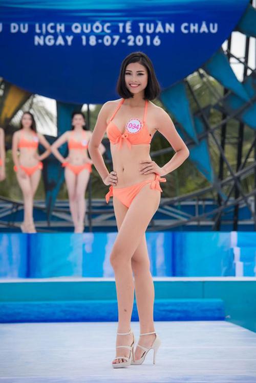 """Hoa hậu VN: Vóc dáng sexy của """"bản sao Tăng Thanh Hà"""" - 11"""