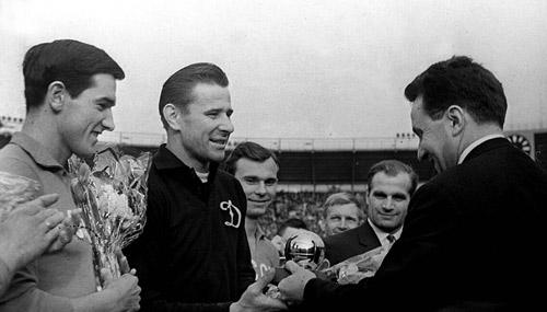 Griezmann muốn đoạt QBV: Hãy sang Real hoặc Barca - 3