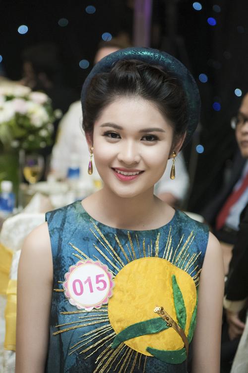 Nhan sắc kiều diễm của thí sinh Hoa hậu VN ở dạ tiệc - 6