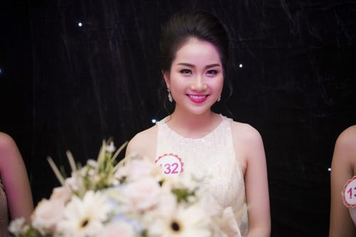 Nhan sắc kiều diễm của thí sinh Hoa hậu VN ở dạ tiệc - 10