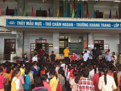 Bàn giao lớp học từ thiện cho học sinh nghèo Tỉnh Hà Giang - 4