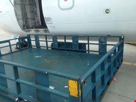 Tước giấy phép hành nghề lái xe đâm hỏng máy bay ATR72 - 1