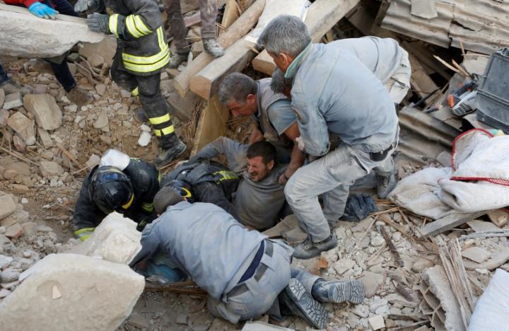 247 người chết vì động đất kinh hoàng ở Ý - 5