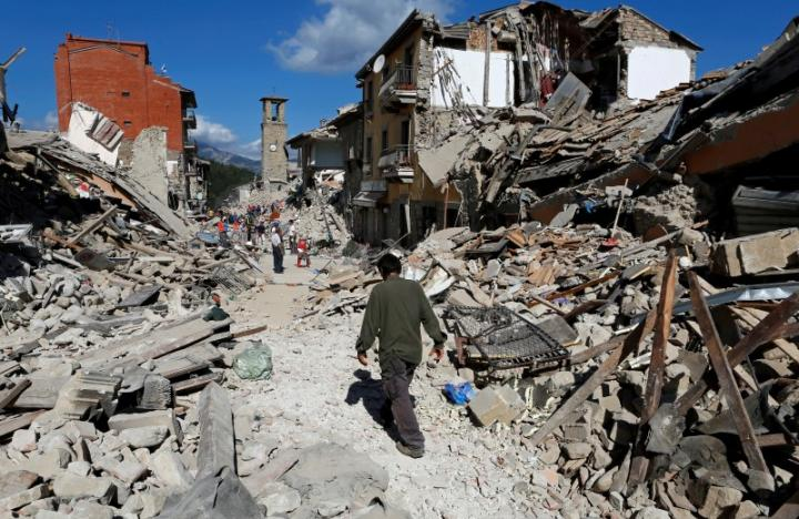 247 người chết vì động đất kinh hoàng ở Ý - 4