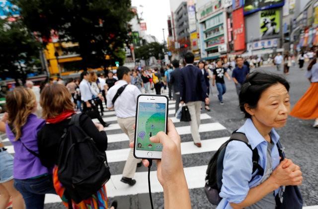 Tài xế Nhật Bản đâm chết người vì Pokémon Go - 1