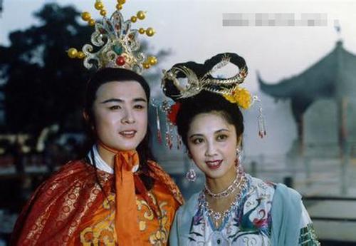 """Nhan sắc 30 năm không đổi của """"nữ vương Tây Lương"""" - 11"""