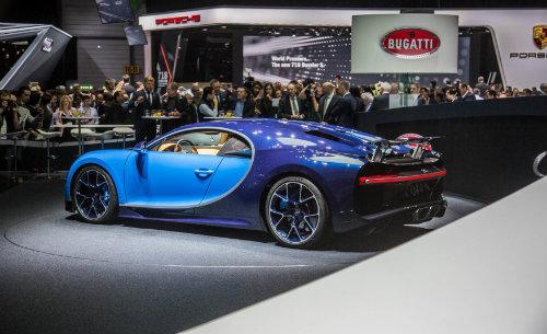 """Bugatti Chiron giá """"cắt cổ"""" vẫn không làm """"khó"""" được các đại gia - 2"""