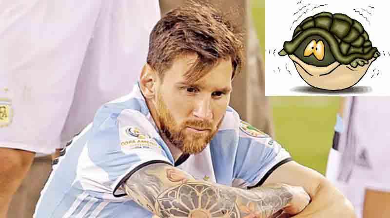 Maradona: Messi diễn kịch vụ chia tay ĐT Argentina - 2