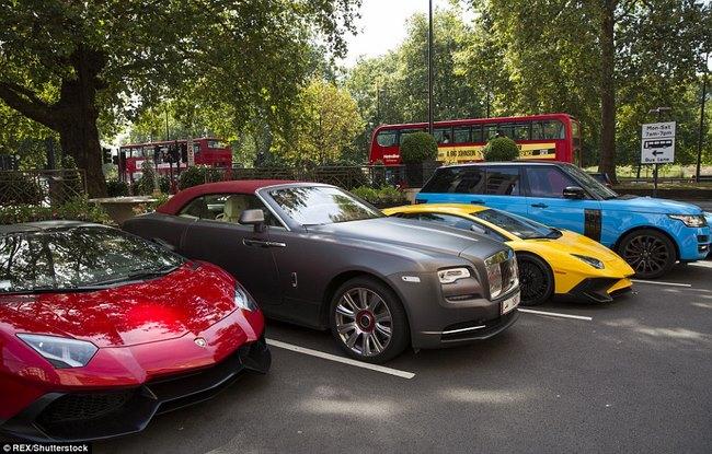"""Tỉ phú Ả Rập trưng dàn siêu xe màu """"độc"""" ở London - 3"""