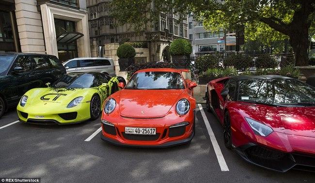 """Tỉ phú Ả Rập trưng dàn siêu xe màu """"độc"""" ở London - 5"""