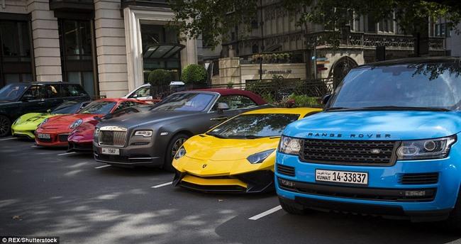 """Tỉ phú Ả Rập trưng dàn siêu xe màu """"độc"""" ở London - 4"""