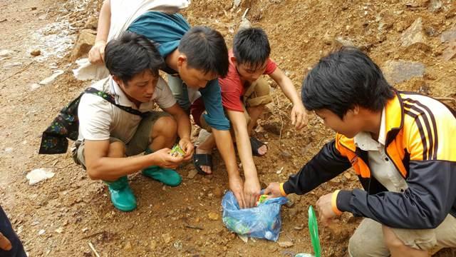 """Sập hầm vàng ở Lào Cai: Chính quyền thừa nhận có """"thổ phỉ"""" - 2"""