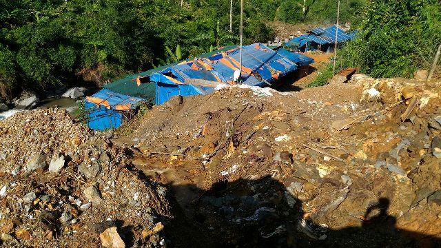 """Sập hầm vàng ở Lào Cai: Chính quyền thừa nhận có """"thổ phỉ"""" - 4"""