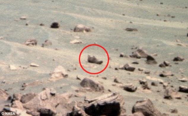 Phát hiện chiếc giày lạ trên sao Hỏa - 1