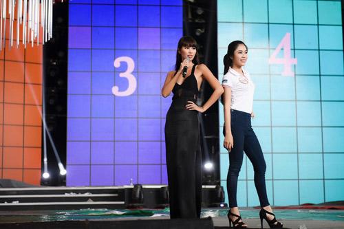 Hà Anh sexy hết cỡ khi hướng dẫn thí sinh Hoa hậu VN - 8