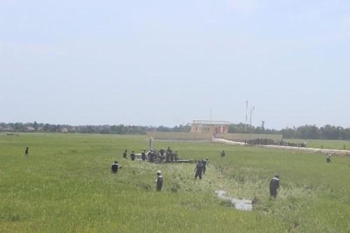 Cận cảnh hiện trường vụ rơi máy bay quân sự ở Phú Yên - 5