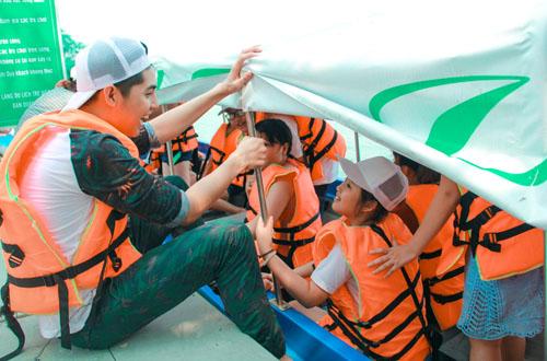 Noo Phước Thịnh dã ngoại cùng học trò The Voice Kids - 2