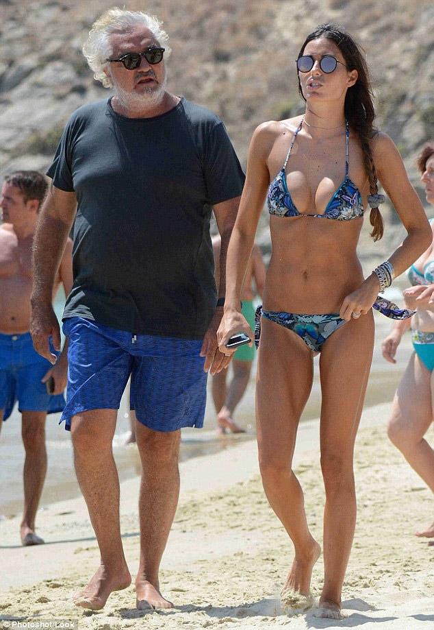 Người mẫu Ý gợi cảm bên chồng tỷ phú già nua, bụng phệ - 3