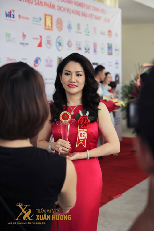 TMV Xuân Hương nhận giải Top 10 thương hiệu làm đẹp hàng đầu Việt Nam - 3