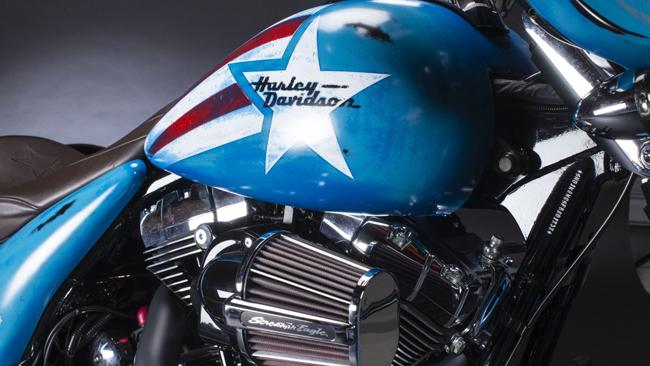 Chiếc Harley-Davidson Street Glide Special là phiên bản kỷ niệm sinh nhật lần thứ 75 của Captain America.