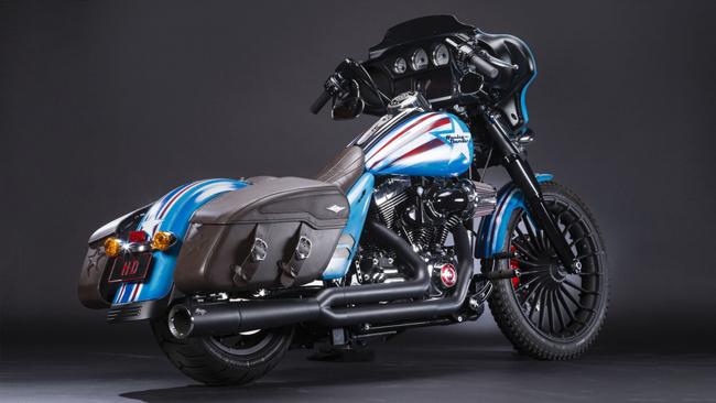 Hãng phim siêu anh hùng Marvel và hãng mô tô Mỹ Harley đã hợp tác sản xuất một mẫu xe mô tô tùy chỉnh dành riêng cho vị Đại Úy này, cùng với 24 chiếc xe khác cho những vị siêu anh hùng khác của Marvel.