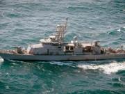 """Thế giới - Hải quân Mỹ bắn 3 phát đạn cảnh cáo tàu Iran """"quấy rối"""""""