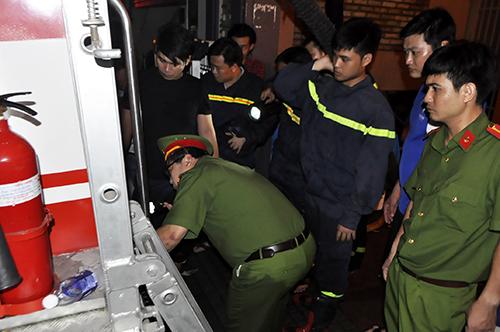 TPHCM: Trắng đêm hút nước cứu hầm cao ốc sau mưa lịch sử - 7