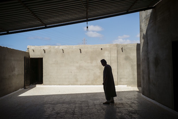 Cuộc sống ngột thở trong thành trì mới của IS tại Libya - 1