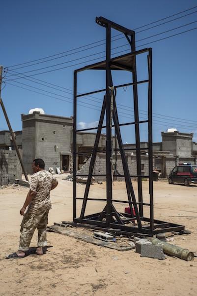 Cuộc sống ngột thở trong thành trì mới của IS tại Libya - 5