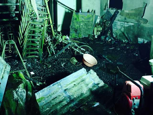 Chập điện xe máy, 6 người chết thảm - 1
