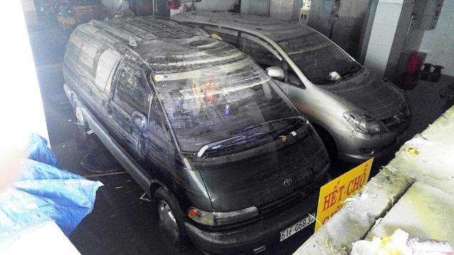 """Cận cảnh vết sụt lún khổng lồ """"nuốt cầu"""" ở Sài Gòn - 13"""
