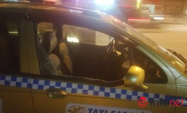 CSGT lấy thân che cho tài xế taxi bị côn đồ hành hung - 2