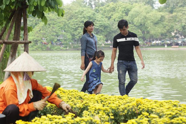 """Ảnh: Nụ cười """"tỏa nắng"""" của người Hà Nội ngày chớm thu - 5"""