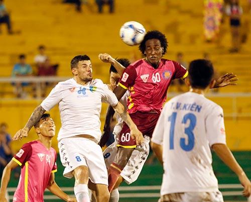Bầu Hiển cười tươi, khen cả Hà Nội T&T lẫn Sài Gòn FC - 7