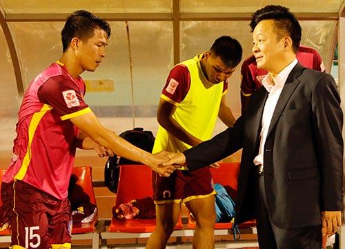 Bầu Hiển cười tươi, khen cả Hà Nội T&T lẫn Sài Gòn FC - 9