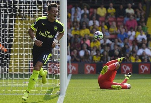 Watford - Arsenal: Giải quyết trong hiệp 1 - 1