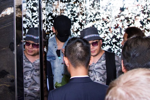 Bi Rain kín mít từ sân bay đến khách sạn khi ở Việt Nam - 9