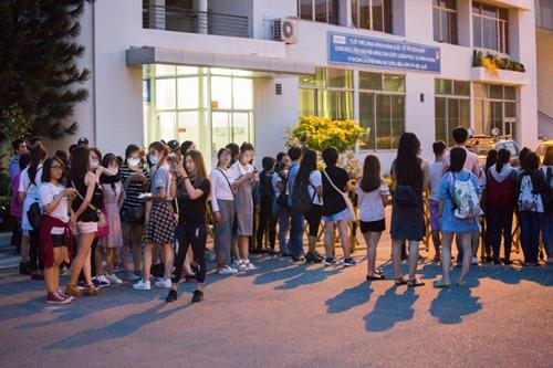 Bi Rain kín mít từ sân bay đến khách sạn khi ở Việt Nam - 6