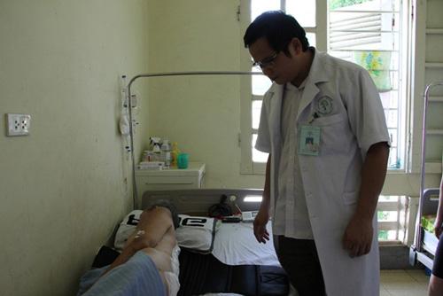 Cắt bỏ khối u 4kg cho bệnh nhân thoát vị màng tủy - 1