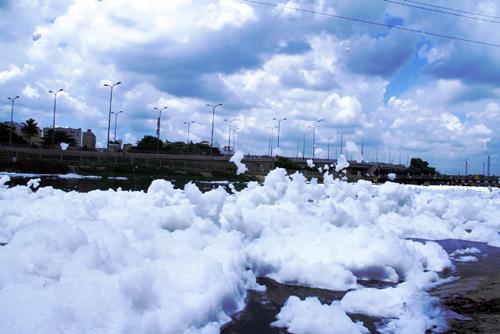 """""""Tuyết"""" xuất hiện trên kênh giữa Sài Gòn - 1"""