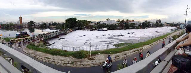 """""""Tuyết"""" xuất hiện trên kênh giữa Sài Gòn - 6"""