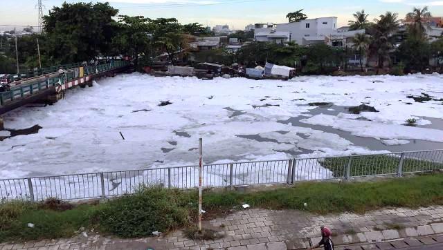 """""""Tuyết"""" xuất hiện trên kênh giữa Sài Gòn - 5"""